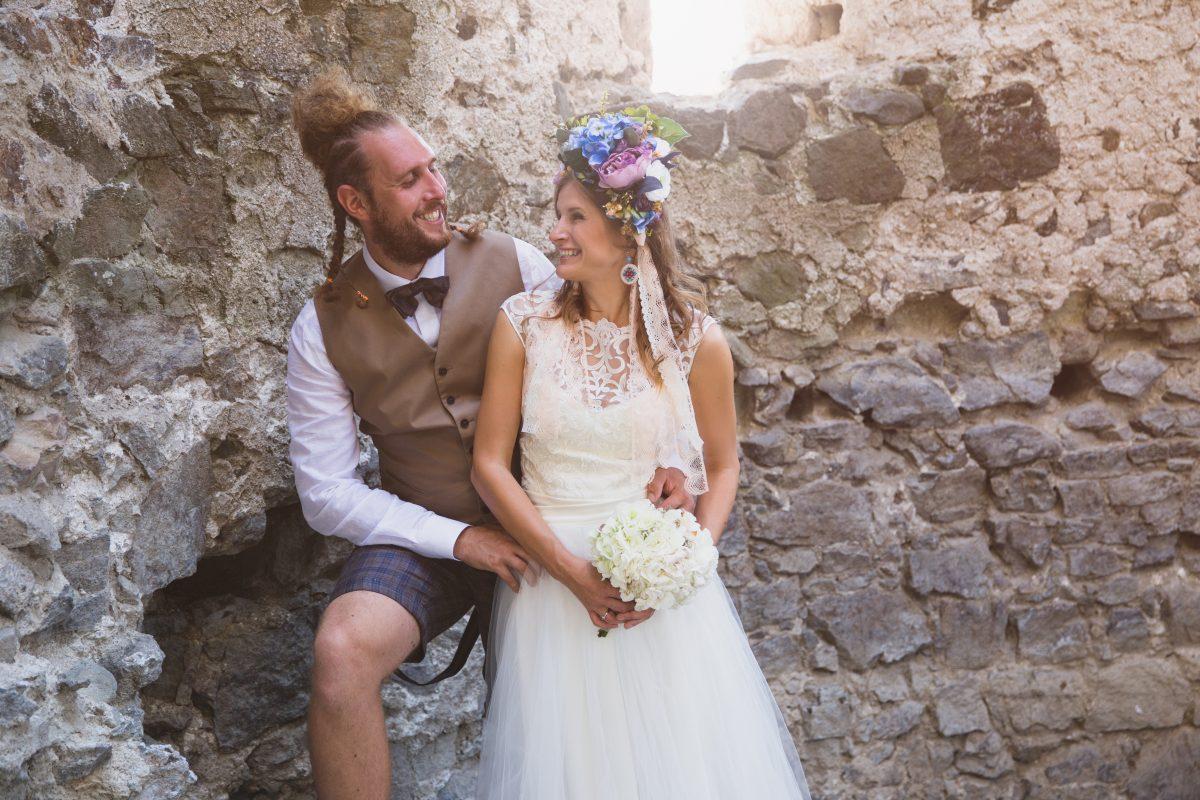 110c7ced67 Andrea a Ondrej. Netradičné Svadby   Svadobný oblek ...
